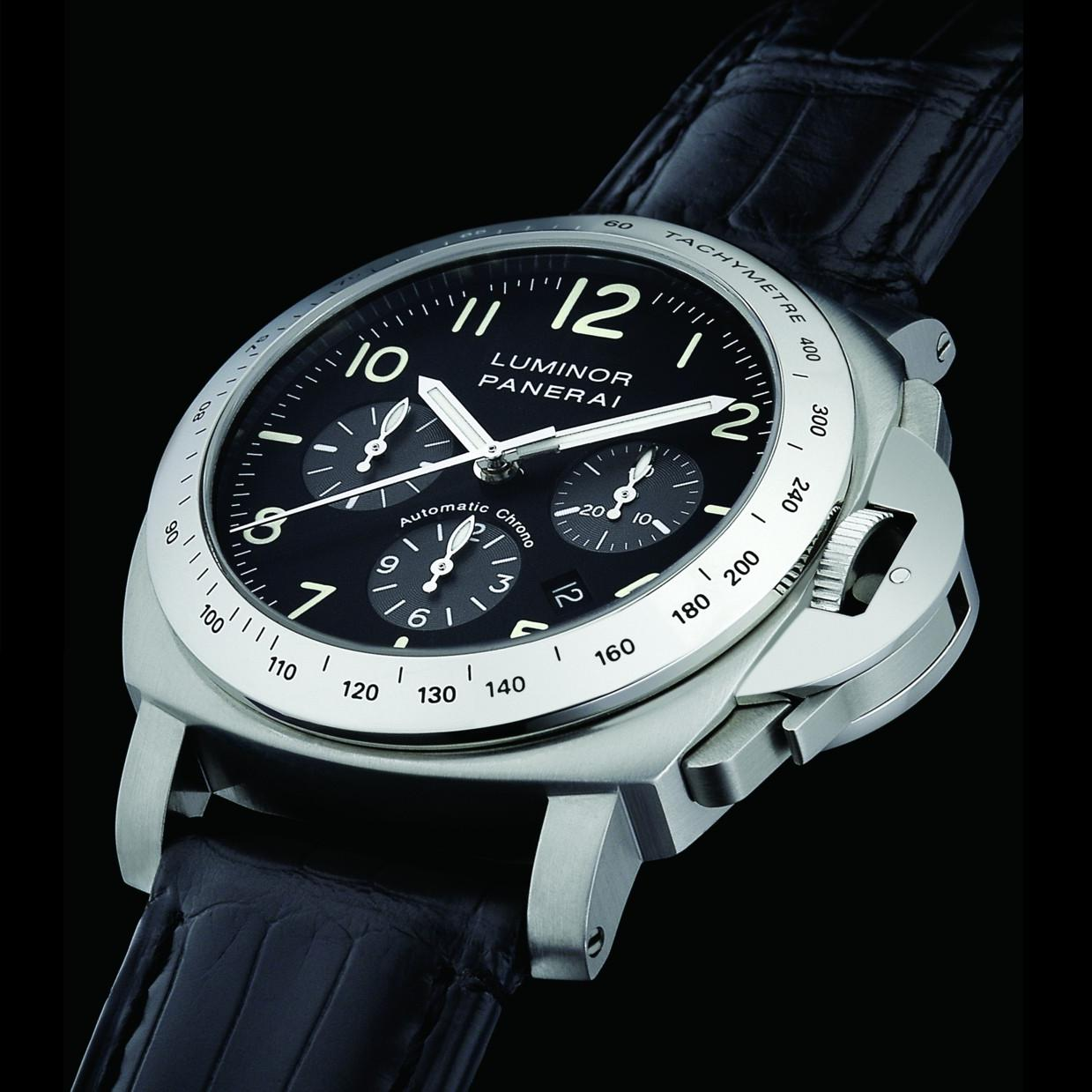 watch luminor on essential watches with black main steel in pam strap dial submersible rubber panerai
